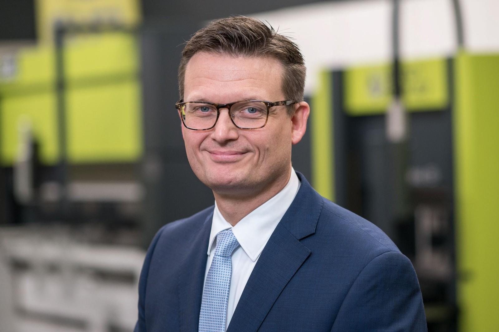 Maarten Coerman, CEO bei Safan Darley, kündigt ein komplettes Programm für die Automatisierung von Abkantpressen an.