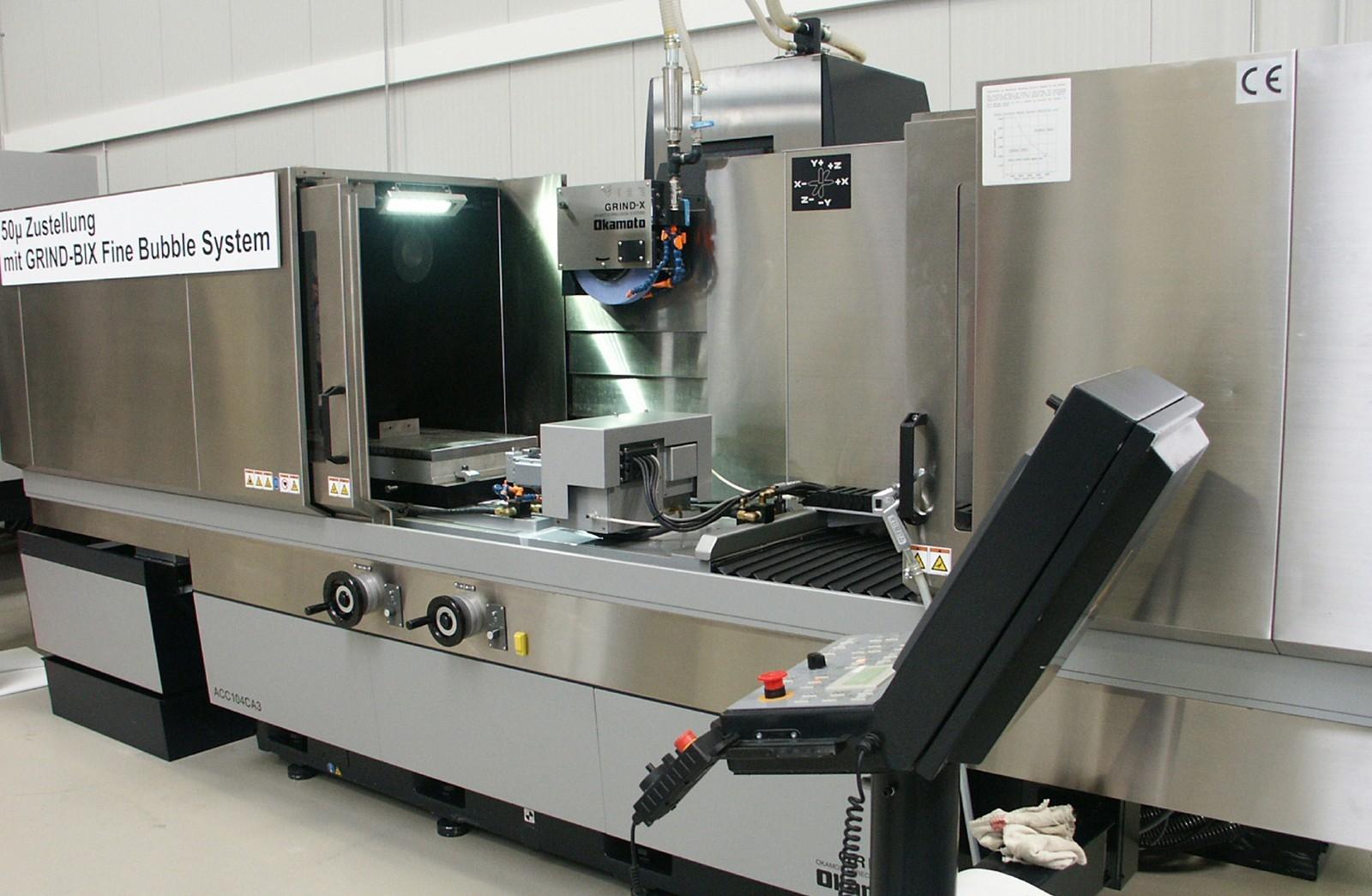 Die Flachschleifmaschine ACC CA3 hat modernste Steuerungstechnologie von Fanuc.
