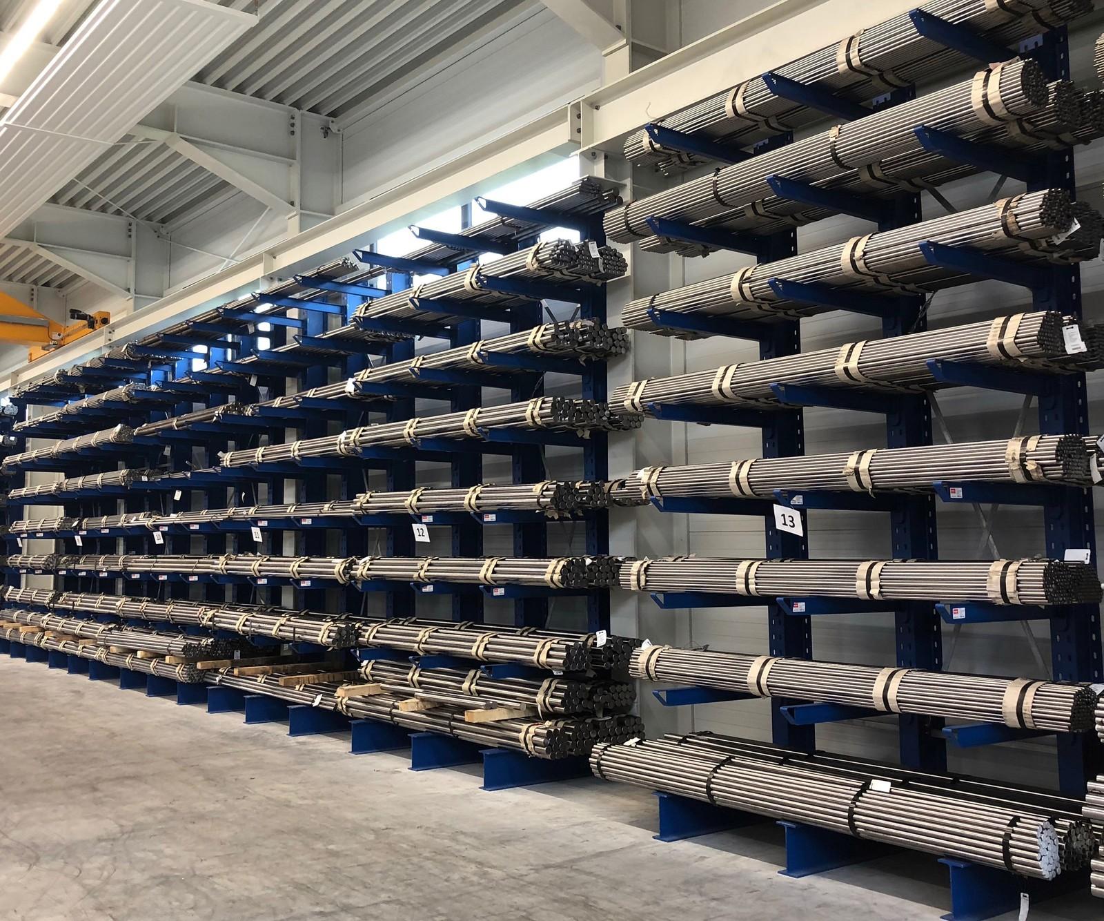 Nachdem Econsteel im vorangegangenen DBU-Projekt eine neue Sorte von Stahl entwickelt hatte, soll nun ein mechanisches Bearbeitungsverfahren zum Härten der Oberfläche erarbeitet werden.