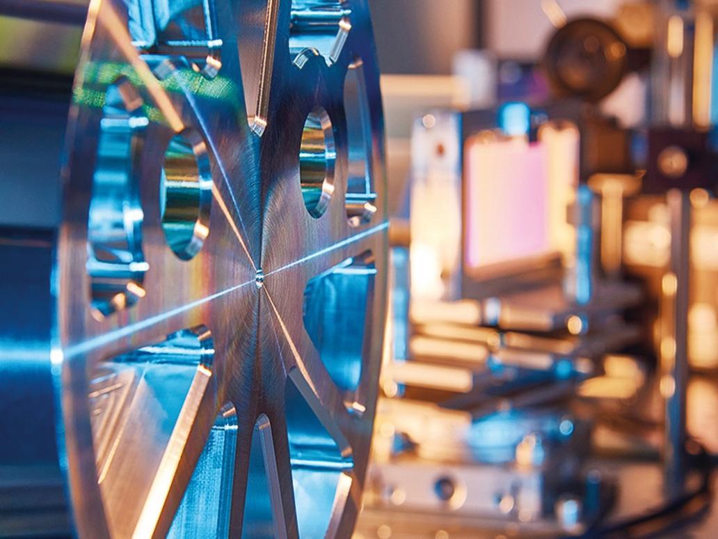 Im Rahmen von Fraunhofer CAPS soll die Leistung der UKP-Laser auf über 10 kW skaliert werden.