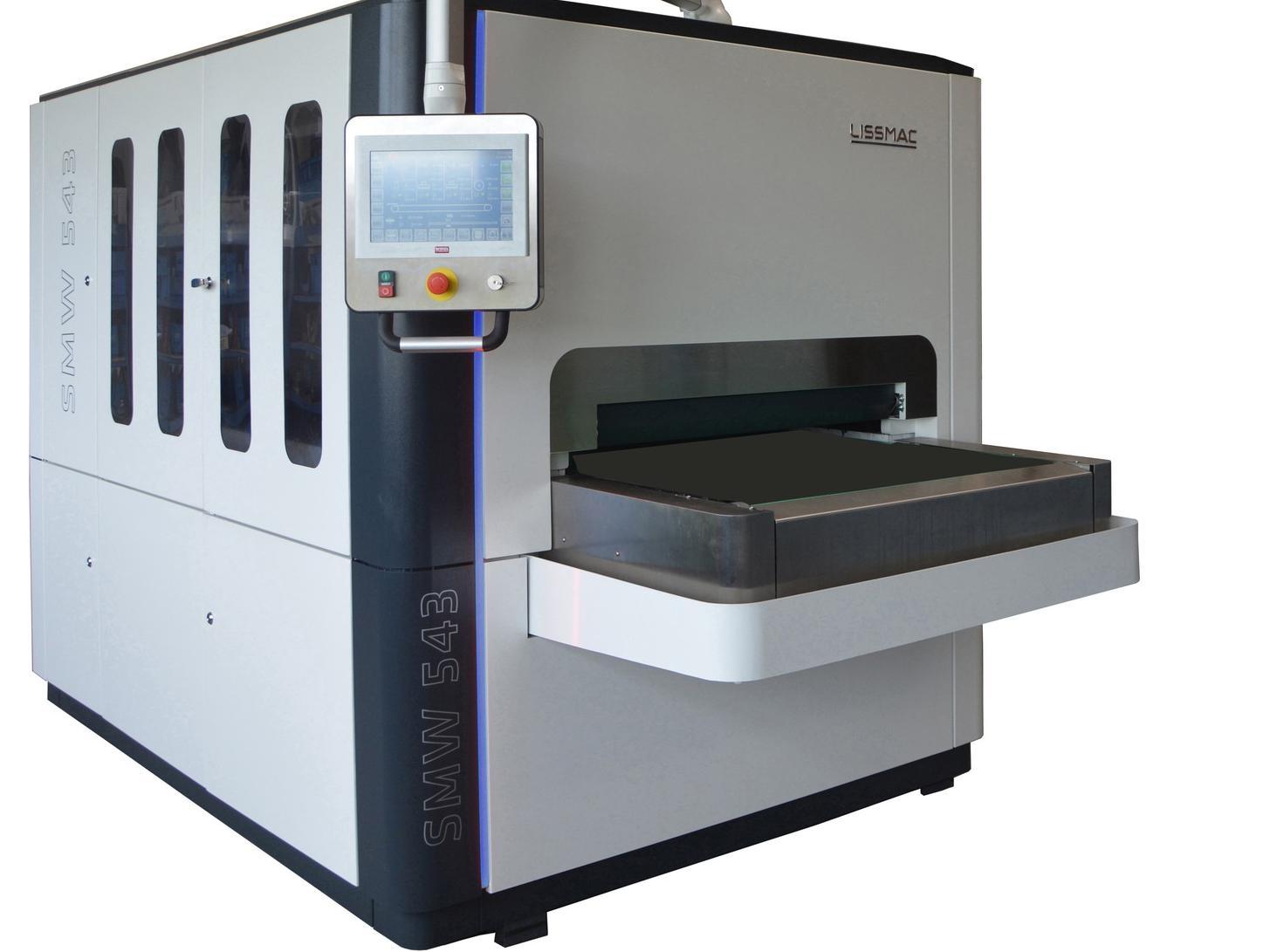 Die Schleifmaschinen der Lissmac SMW 5 Steelmaster-Baureihe setzen Maßstäbe für das perfekte Oberflächenfinish und die Kantenbearbeitung im Nassschleifverfahren.