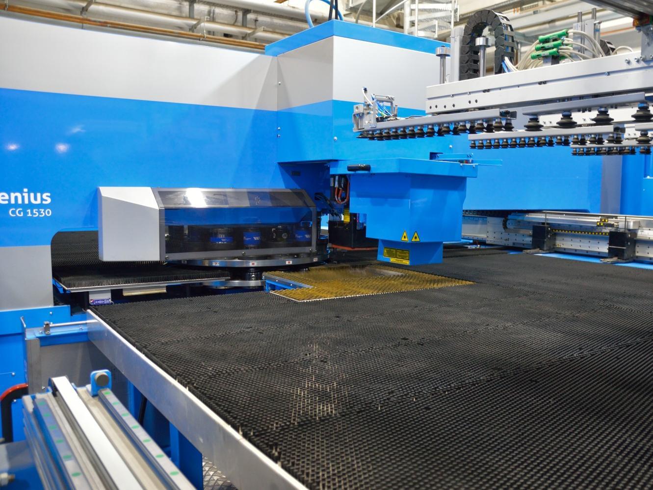 Die Stanz-Laser-Kombimaschine mit automatisiertem Handling passt ideal zum Produktportfolio des Eisenwerk Wittigsthal.