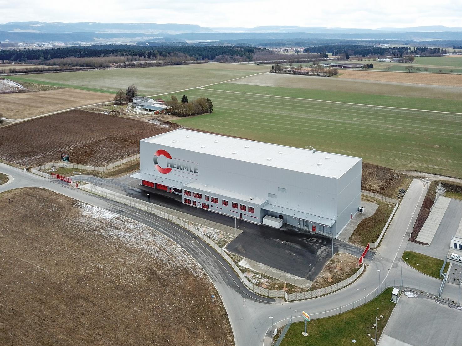Das Bild zeigt die bestehende Mineralgussgießerei der Hermle AG in Zimmern o.R.
